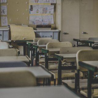 """""""Én lennék a legboldogabb, ha a sarki iskolába járhatna a gyerekem"""" – súlyos károkat okoz a családoknak az új köznevelési törvény"""