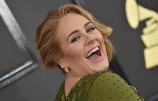 Adele vad leánybúcsút szervez Jennifer Lawrence-nek