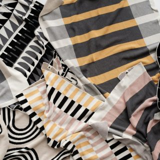 A takarókészlet, ami úgy néz ki, mint egy geometrikus festmény