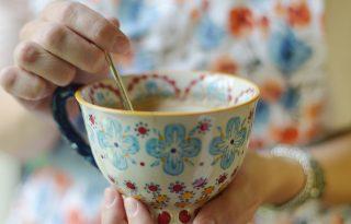 Nem minden tea színezi el a fogakat