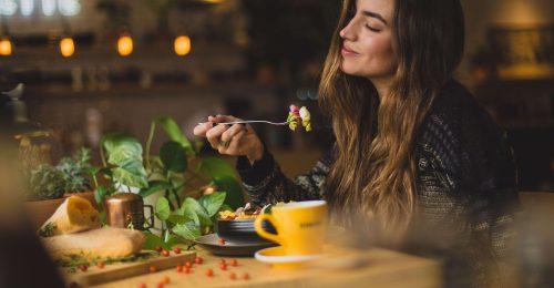 Hogyan rágjuk meg az ételt helyesen?
