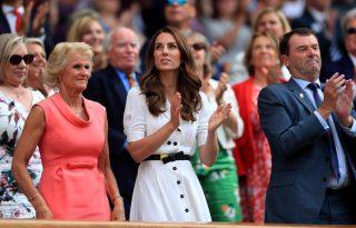 Kate Middleton retró egyberuhában szurkolt