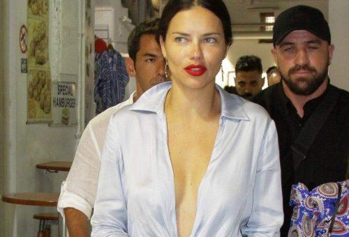Adriana Lima szexi szaténegyüttesben nyaral