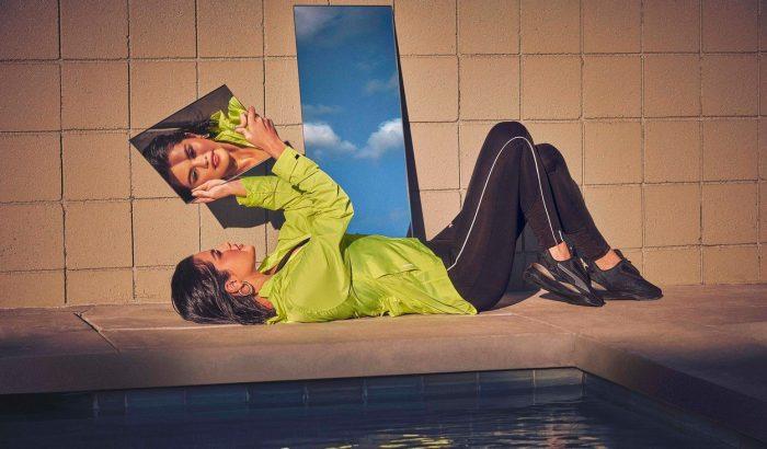 Selena Gomez magát csodálja a legújabb Puma-kampányban