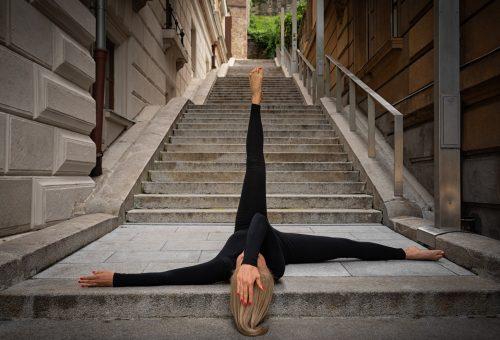 Különleges helyszíneken készült fotókkal népszerűsítik a stretchinget