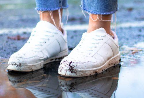 Hogyan lesz a fehér cipő szebb, mint újkorában?