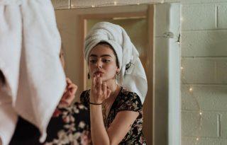 Előbb a szérum vagy az arcolaj? Így rétegezd a bőrápolókat!