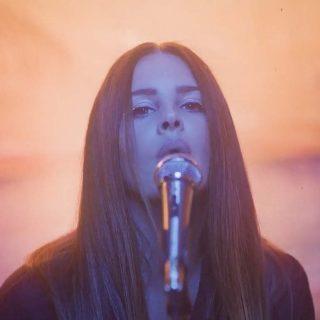 A nyár végére Lana Del Rey is megjött két melankolikus dallal