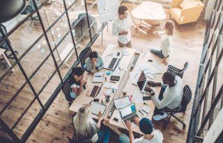 Ilyen a legegészségesebb irodai ülésmód
