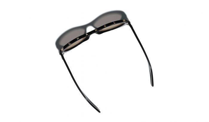 Megérkezett a Chanel 2019-es téli szemüvegkollekciója