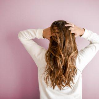 5 jel, hogy túl gyakran mosunk hajat