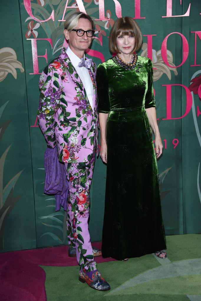 6. kép: Hamish Bowles és Anna Wintour - szó szerint zöldben.