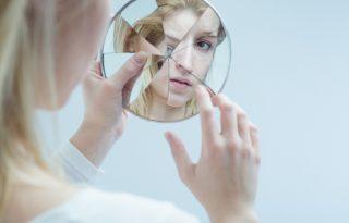 Lélektükör: az önértékeléstől függ a boldogságunk?