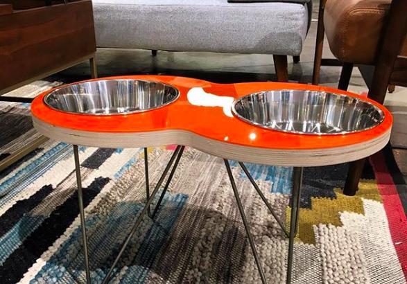 Ez a designer kutyaetető a konyhánk éke lehet