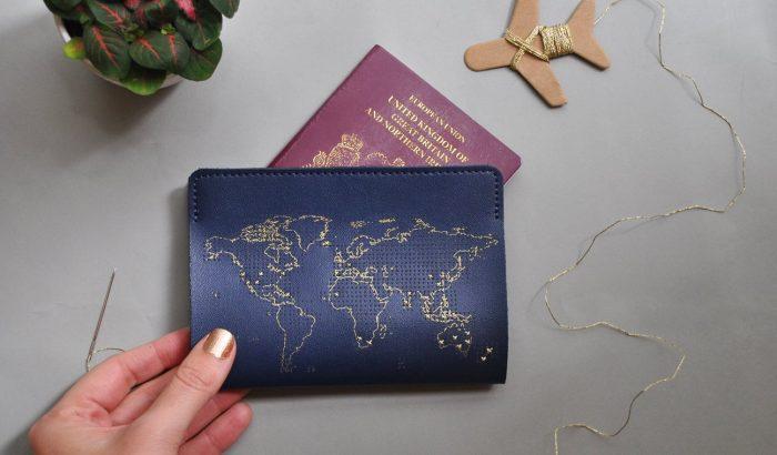 Az útlevéltartó, amelyen jelölheted, milyen helyeken jártál már