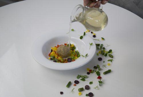 Melengető minestrone leves fűszeres pászkagombóccal