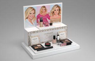 Limitált kiadású make-up kollekcióval rukkolt elő Liptai Claudia