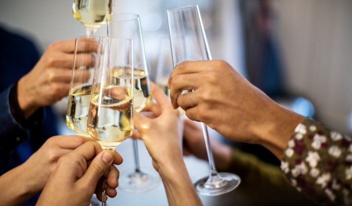Champagne-séta a Dunakorzón