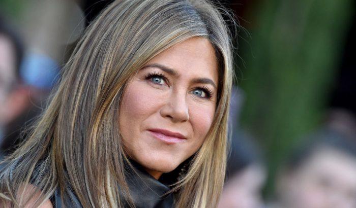 Jennifer Aniston milliókat ajándékozott egy koronavírusos ápolónak