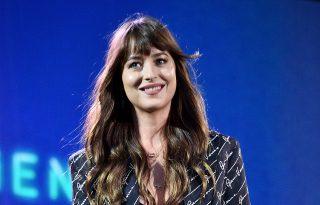 Dakota Johnson podcastot indított a nemi erőszak áldozatainak