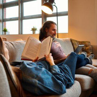 A világ legnépszerűbb terhességi könyvének szerzője Budapestre jön