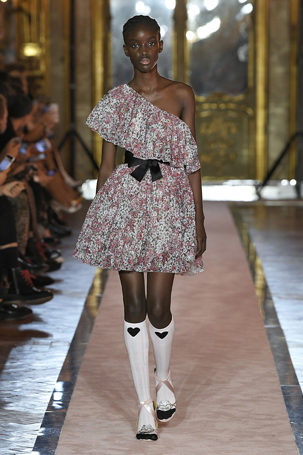 6. kép: Giambattista Valli x HM fashion show, Ready To Wear collection in Rome