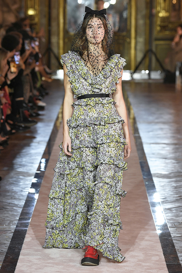 8. kép: Giambattista Valli x HM fashion show, Ready To Wear collection in Rome