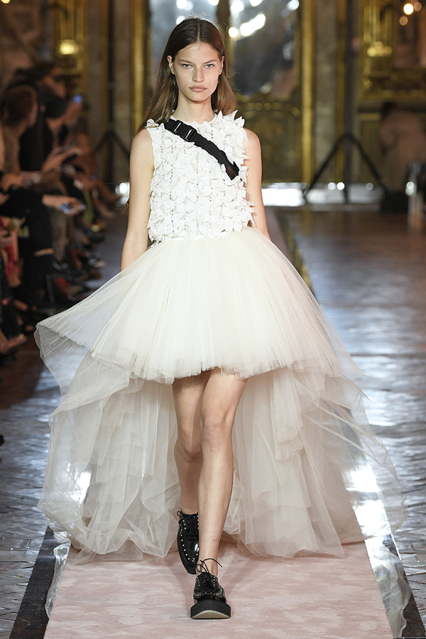 13. kép: Giambattista Valli x HM fashion show, Ready To Wear collection in Rome