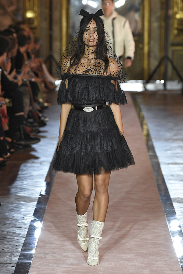 14. kép: Giambattista Valli x HM fashion show, Ready To Wear collection in Rome