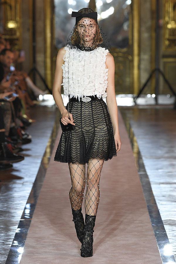 22. kép: Giambattista Valli x HM fashion show, Ready To Wear collection in Rome