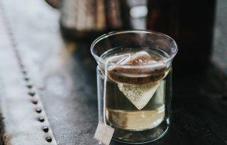A menő teafilterek mikroműanyagokkal árasztják el a teáscsészénket