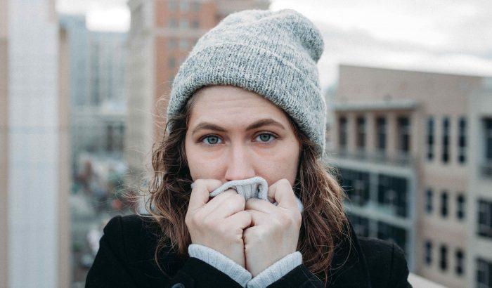 A meleg kabát nem elég: hogyan szokhatjuk meg gyorsan a hideget?