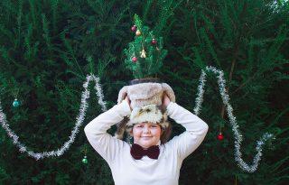 Varró Dani kisfia karácsonyi fotósorozatban pózolt