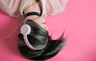 Fejleszti a hallást a fehér zaj