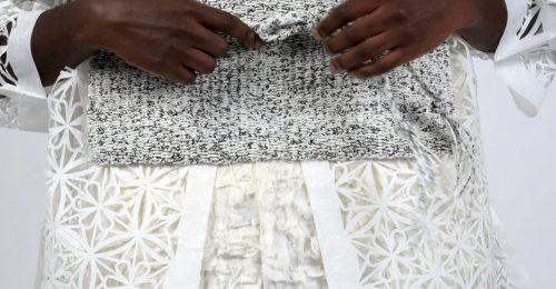Papírból készülő kézműves ruhacsodák