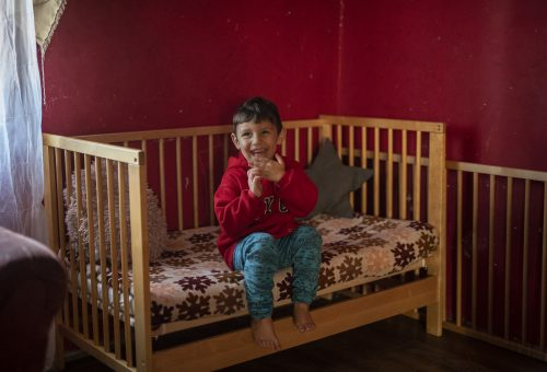 162 mélyszegénységben élő kisgyerek végre saját ágyban töltheti a karácsonyt
