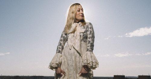 Időgép: szépségutazás Schoblocher Barbival, a Blahalouisiana énekesnőjével