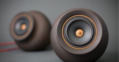 Itt az első agyagból készült hangszóró