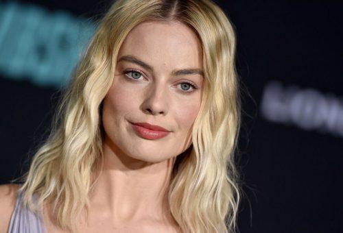 Margot Robbie levendulalila ruhát viselt a premieren