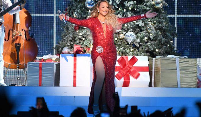 Mariah Carey karácsonyi dala 25 év után végre első lett a Billboard-listán