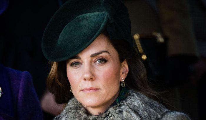 Kate Middleton műszőrmében karácsonyozott