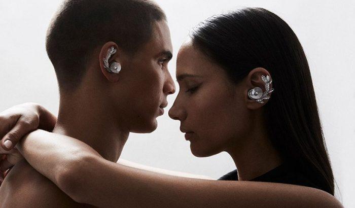 Ékszerként díszítenek a finom fülhallgatók