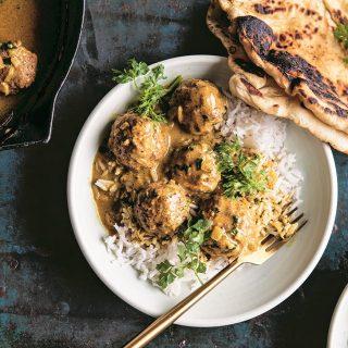 Kókuszos-currys húsgolyók a sütőből