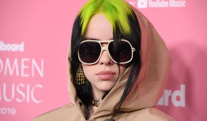 Billie Eilish fehérneműben pózol a Vogue címlapján