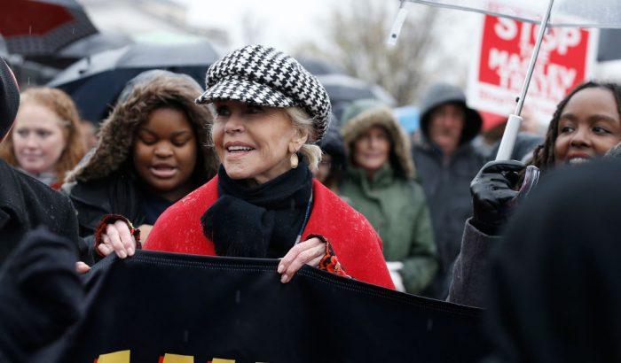 Jane Fonda utolsó tüntetése rengeteg hírességet hozott össze