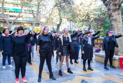 Salma Hayek is megosztotta az új feminista himnuszt