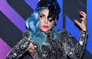 Lady Gaga sem láthatja szüleit a koronavírus miatt