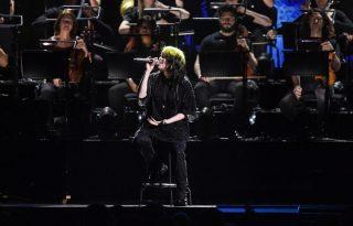 Billie Eilish először adta elő élőben a James Bond-dalt