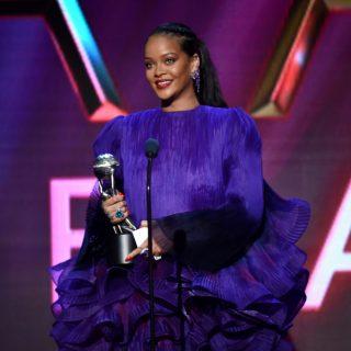 Állva tapsolták Rihanna beszédét a díjátadón