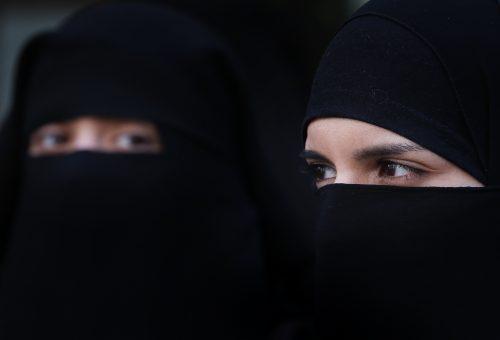 Egy mobilapplikációval kontrollálják a szaúdi nők életét